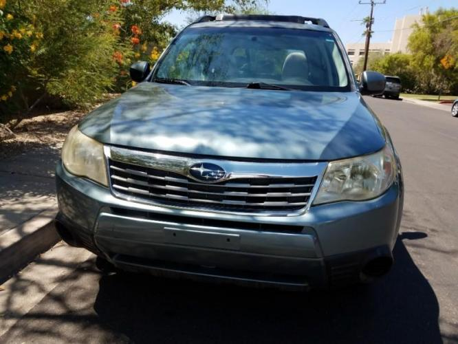 2009 GRAY Subaru Forester (JF2SH636X9H) with an 2.5L H4 SOHC 16V engine, 4-Speed Automatic transmission, located at 323 E Dunlap Ave., Phoenix, AZ, 85020, (602) 331-9000, 33.567677, -112.069000 - Photo #0