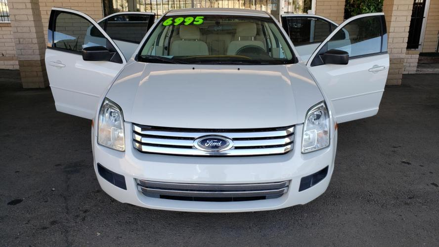 2008 WHITE Ford Fusion S (3FAHP06Z38R) with an 2.3L L4 DOHC 16V engine, located at 323 E Dunlap Ave., Phoenix, AZ, 85020, (602) 331-9000, 33.567677, -112.069000 - Photo #0